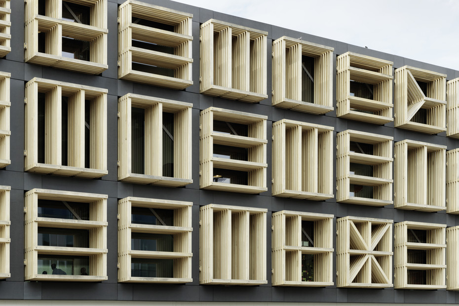 formparts, Gebäude 27E, liquid black