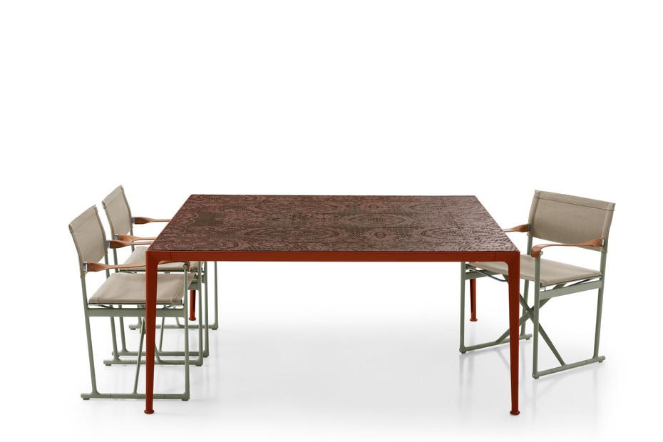 MIRTO Outdoor Tisch