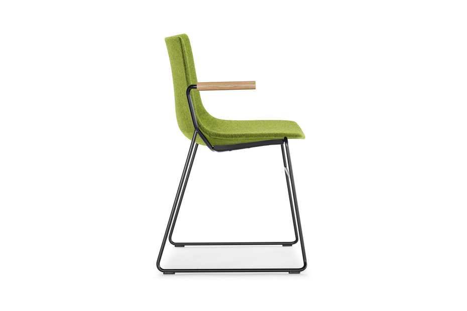 Nava skid-frame chair with armrests