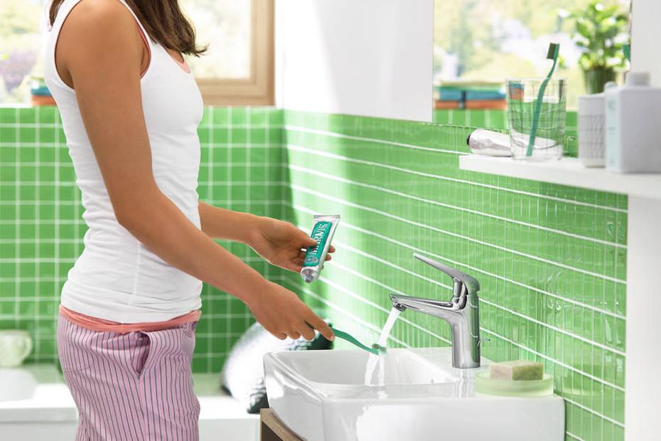 Novus Einhebel-Waschtischmischer 100 für offene Warmwasserbereiter mit Push-Open Ablaufgarnitur