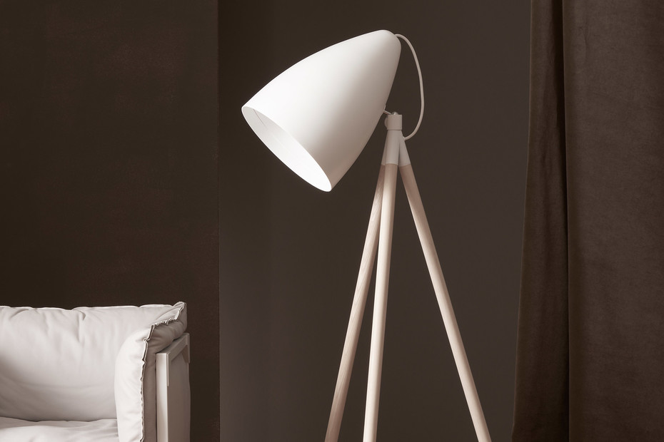 Orbit floor lamp