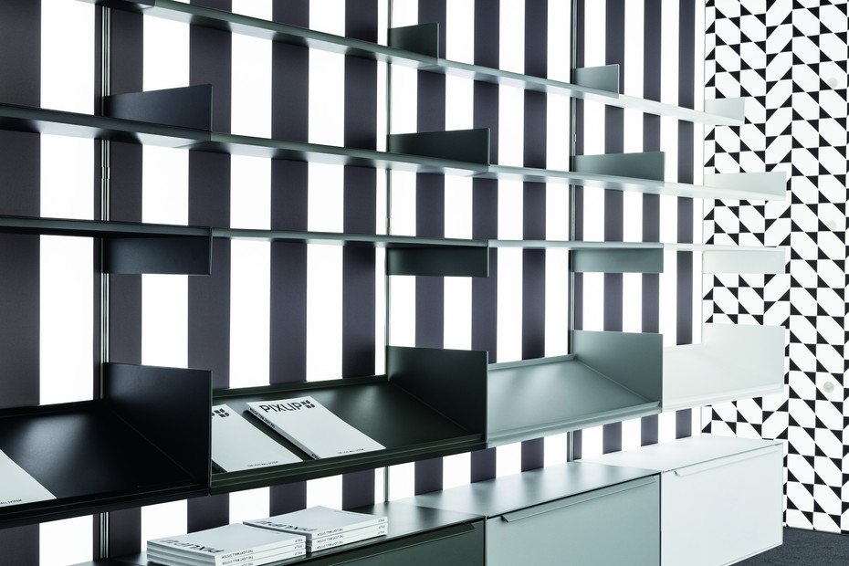 Lightwall with shelving-system