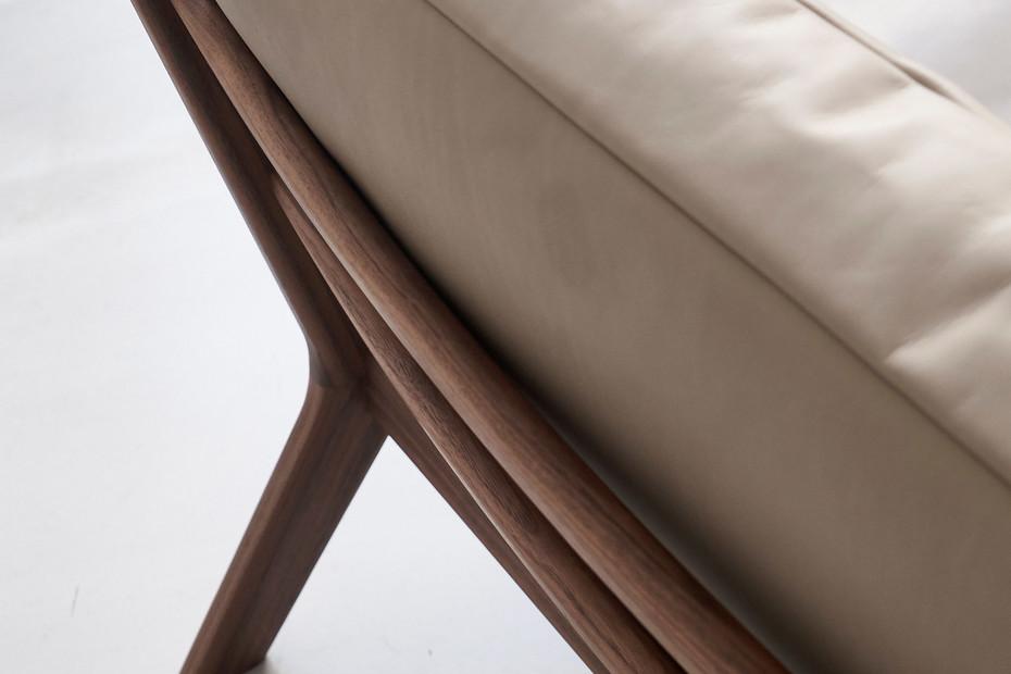 SOVA lounge chair