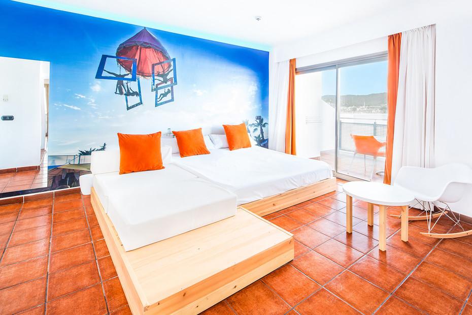Hotel THB Ocean Ibiza 4102. Extreme Light, 1100. Snow White