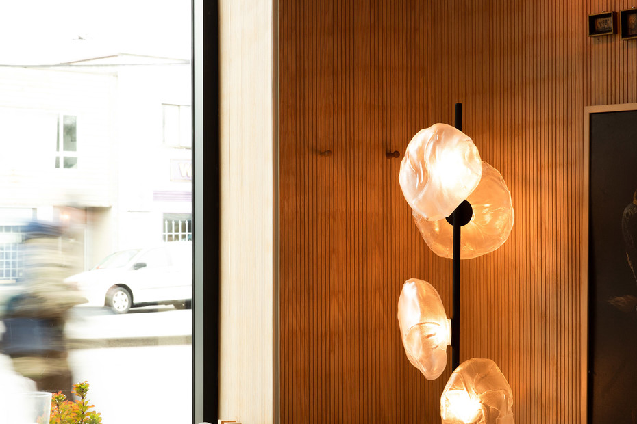 73 Floor Light