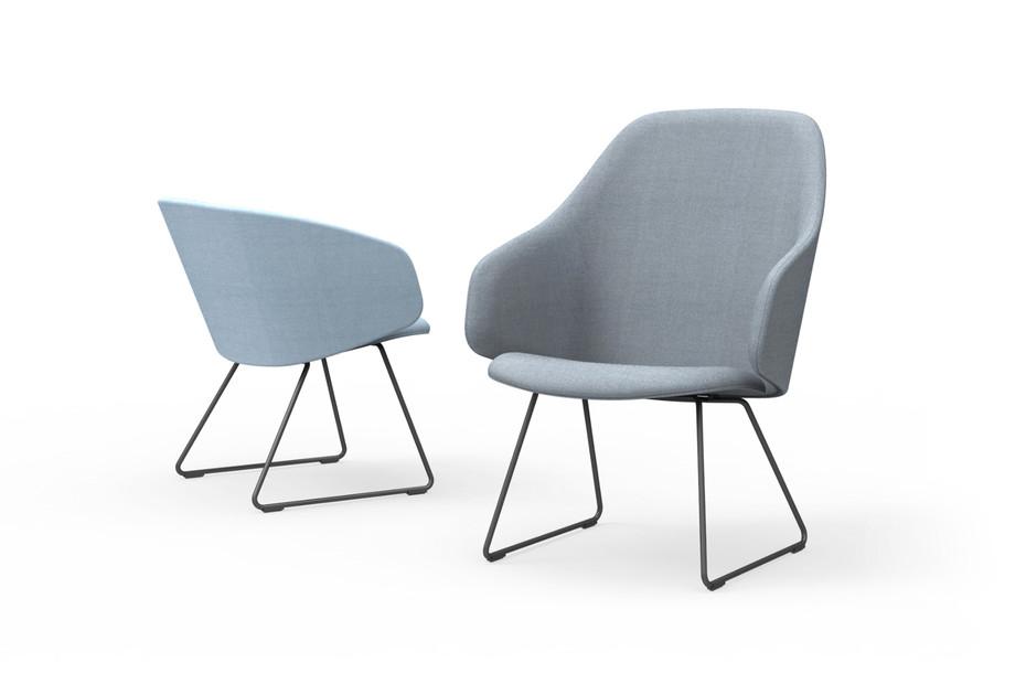 Sola Lounge Chair mit Armlehnen und Kufen