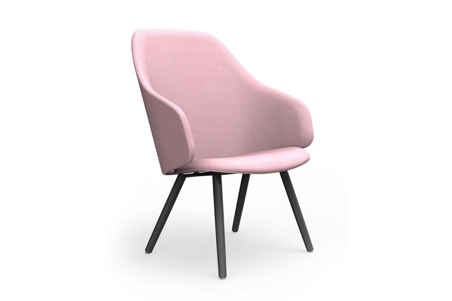 Sola Lounge Chair mit Armlehnen und Holzbeinen