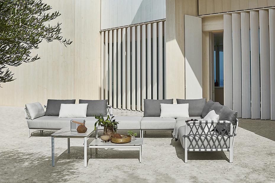 Caro lounge table 2