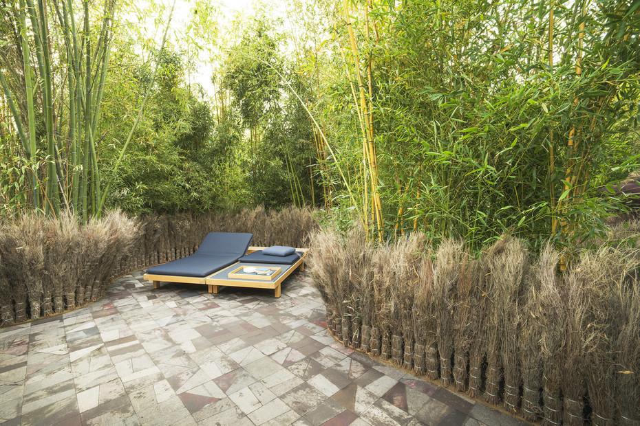 Toku bench & sun bed