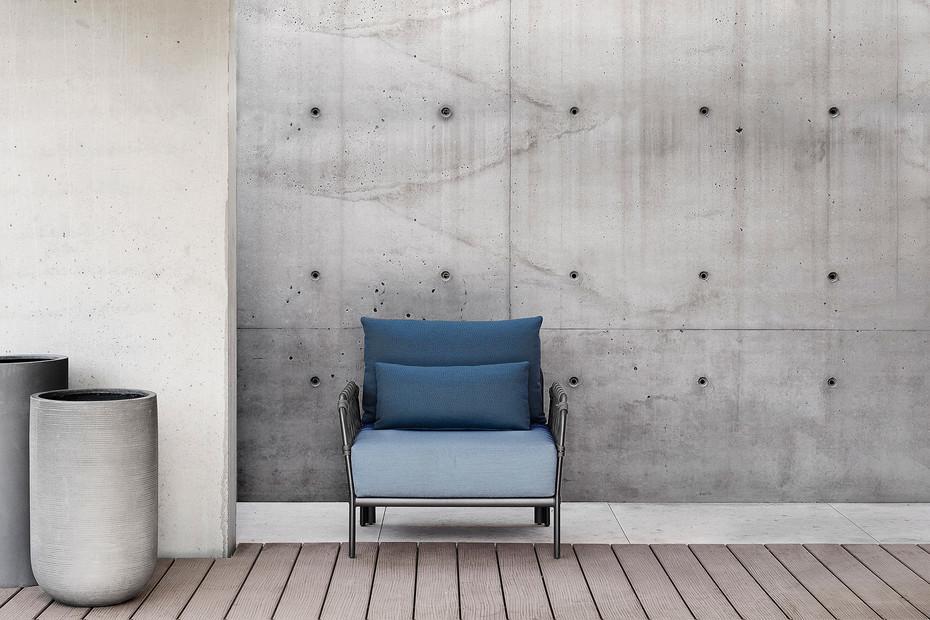 Caro lounge chair