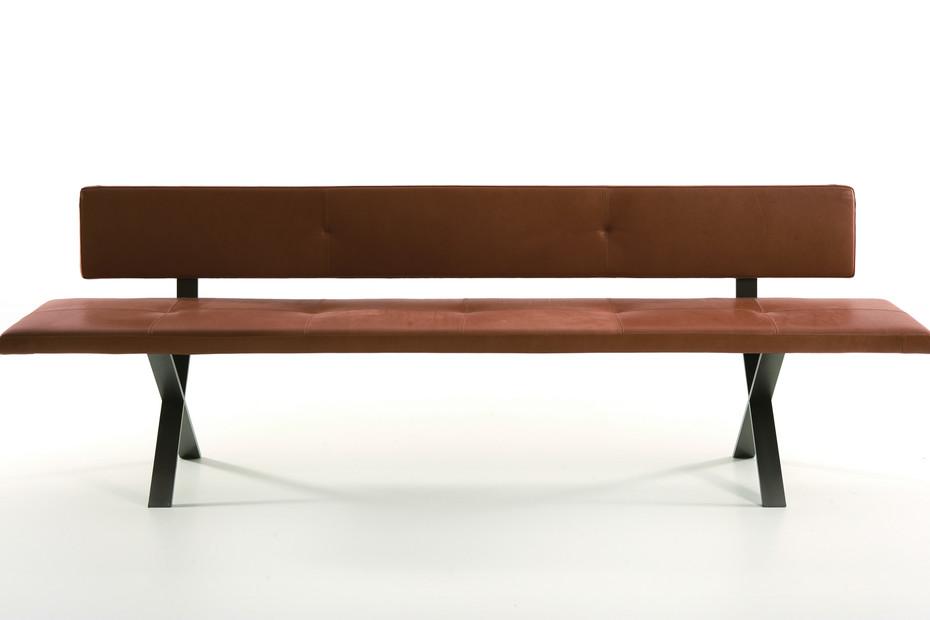 LAX corner bench