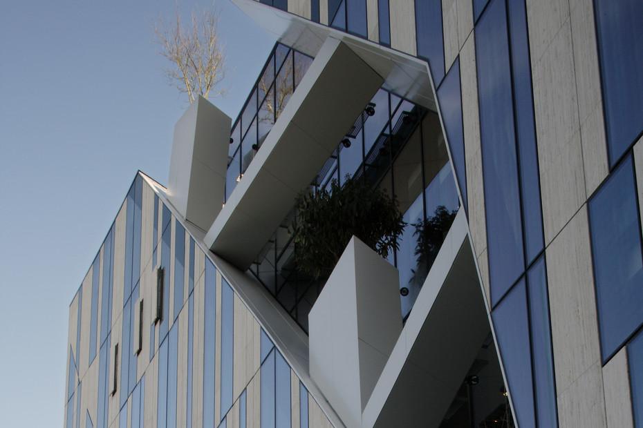 Projekt Kö-Bogen, Glasfassade