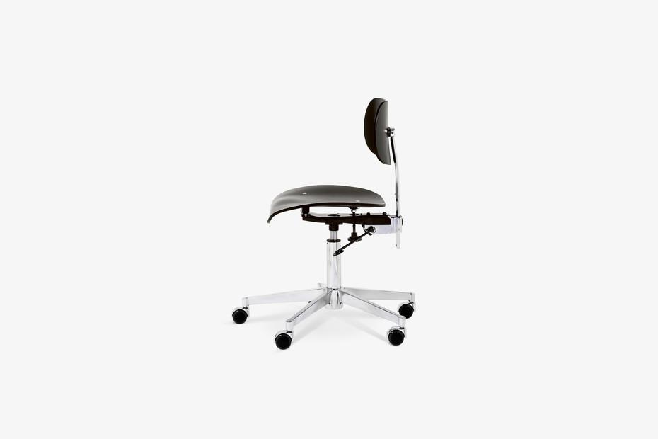 SNG 197 Swivel Chair