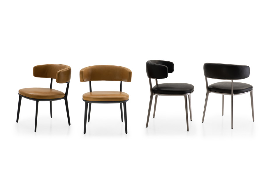 CARATOS chair with armrests