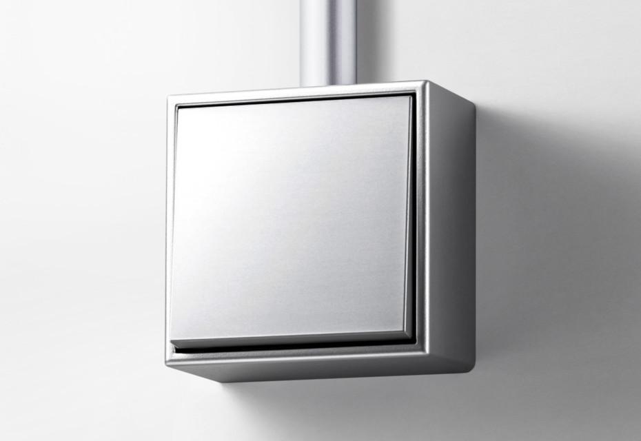 LS CUBE in Aluminium Wippe