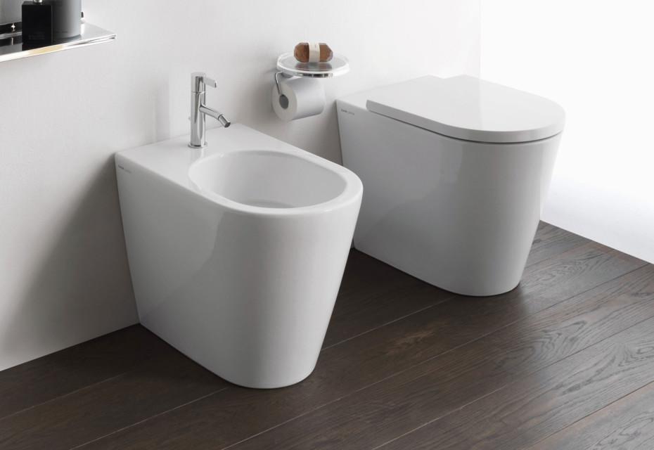 Kartell by Laufen floor-standing toilet rimless