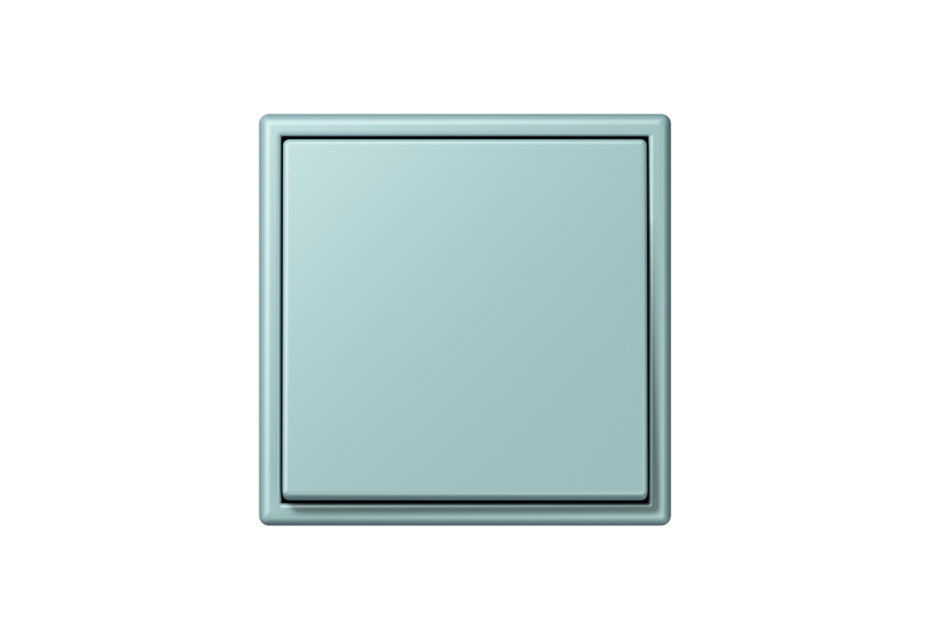 LS 990 in Les Couleurs® Le Corbusier Schalter in Der Himmel im Wasser reflektiert