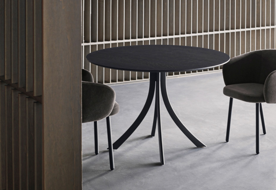 Falcata Indoor Round dining table T934 R
