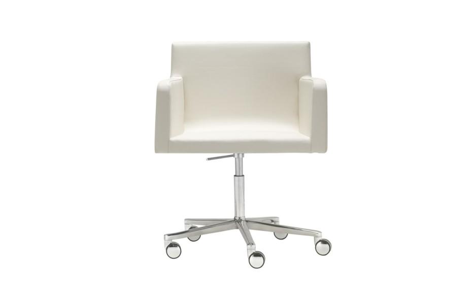 Lineal Comfort swivel armchair with castors