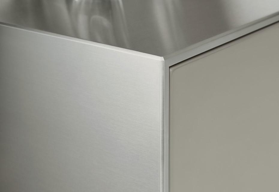 bulthaup b3 Edelstahl und Aluminium