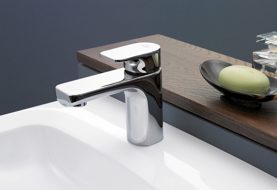 Cult basin mixer