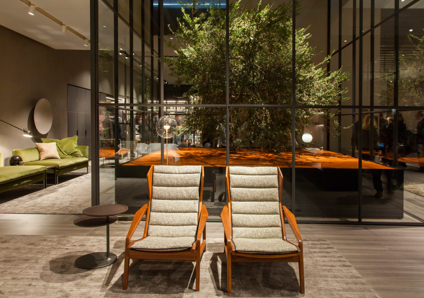 "Refreshed: Gio Ponti originally designed the armchair chair ""D.153.1"" in the 50's, now Molteni&C has it again in the program."