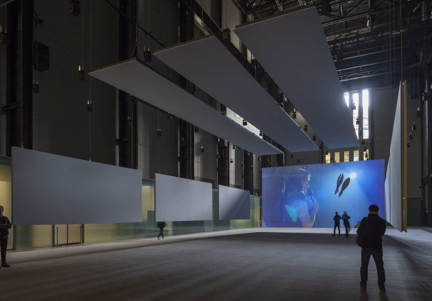 Anywhen von Philippe Parreno in der Turbinenhalle der Tate Modern