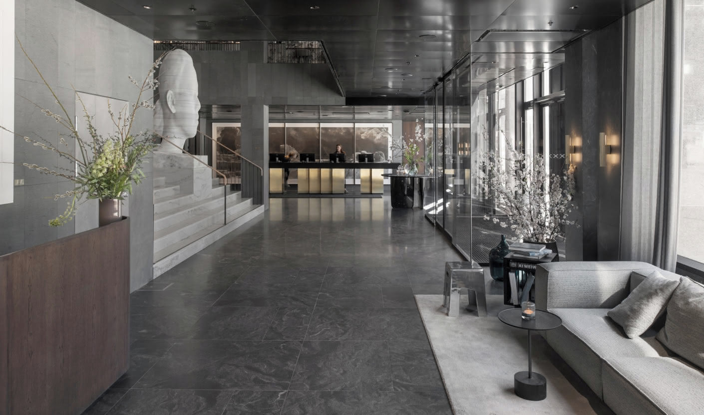 "The Luxushotel ""At Six"" in Stockholm will be a ""place of retreat and a showcase"" in Stockholm - the marble sculpture of Jaume Plensa sound the bell for the pompous part in the lobby."