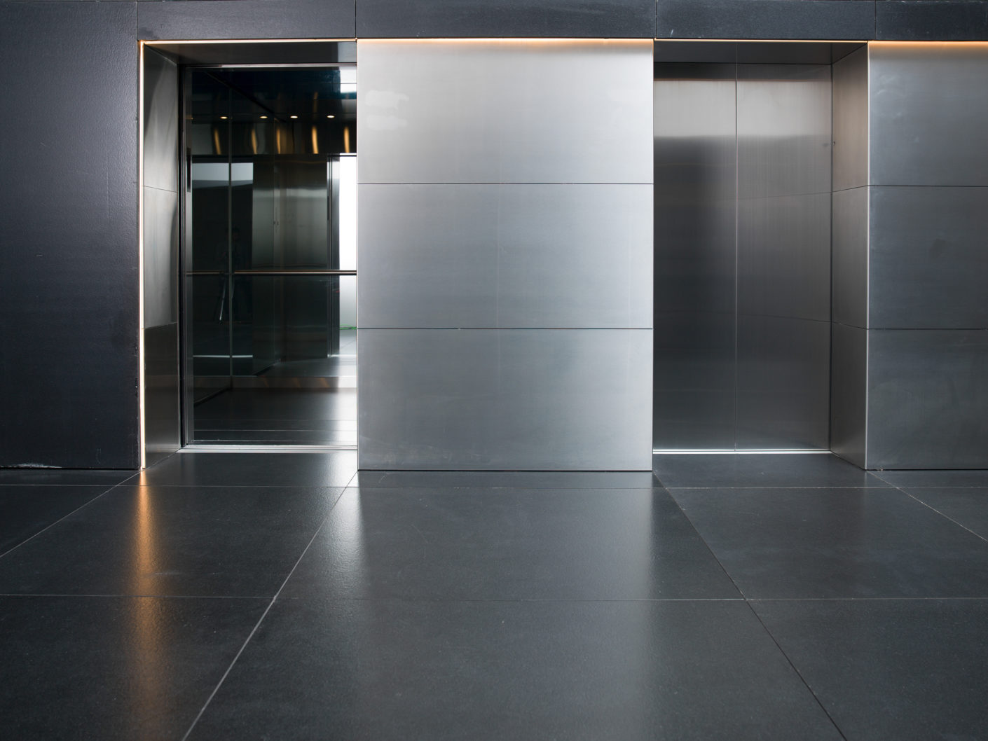 Schindler elevators provide access to the nearly 250-m-high tower.