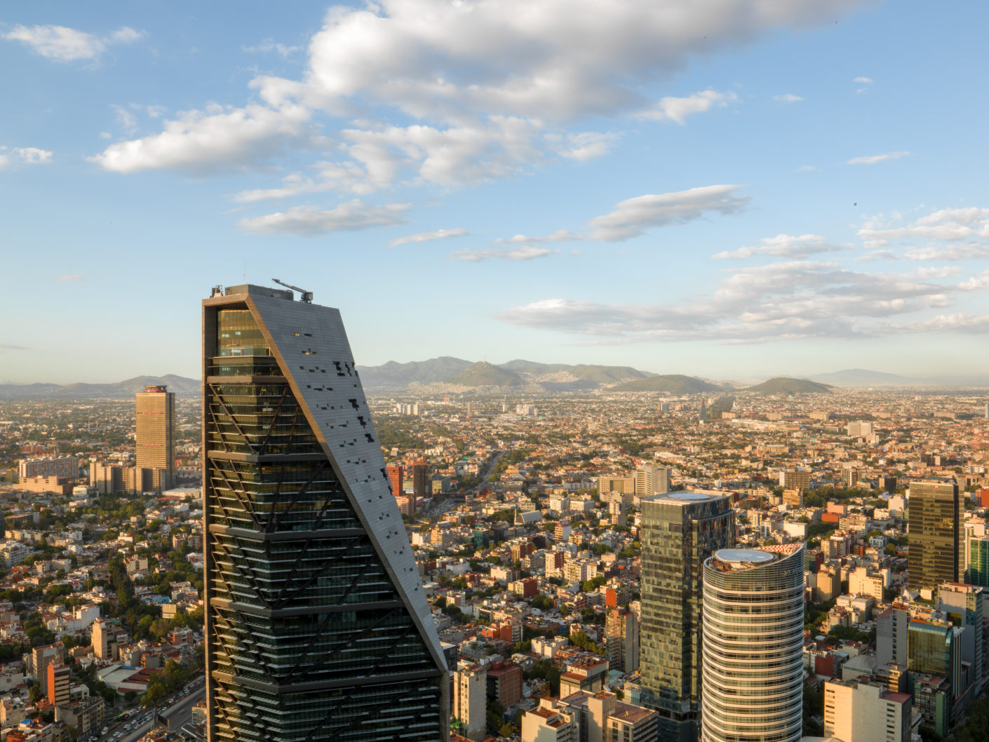 The Torre Reforma in Mexico City has won the International Highrise Award 2018.