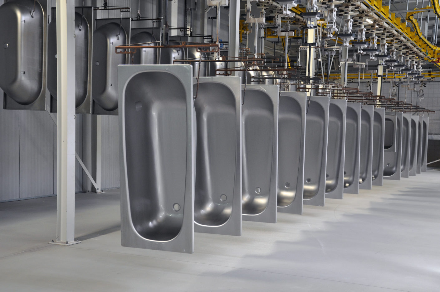 Bathtub parade: Around half of the production consists of standard products.