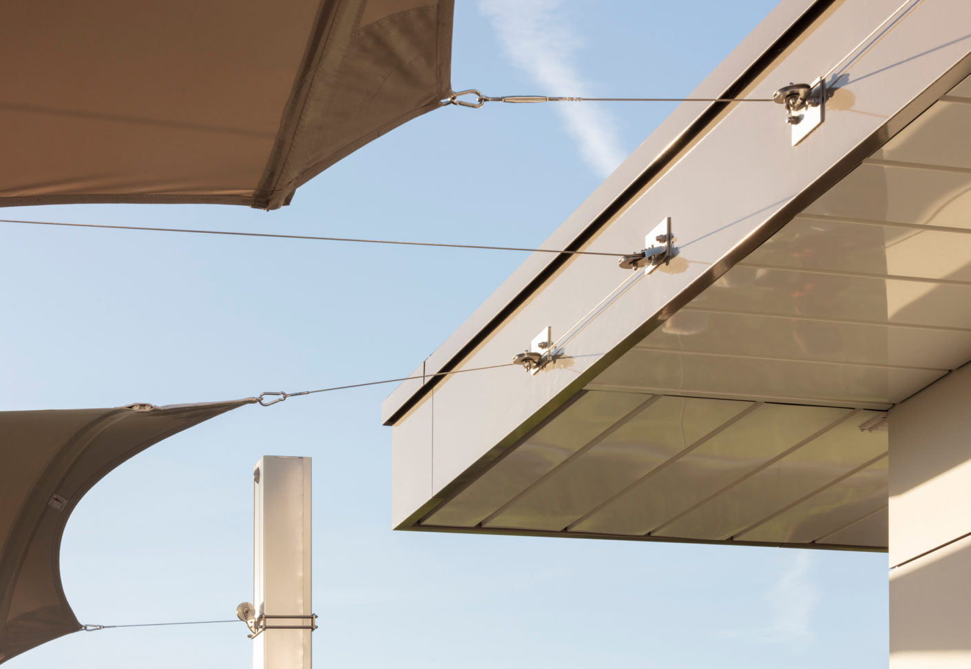 Weather sensors lower the sails if the sun comes out and retract it in the event of wind.