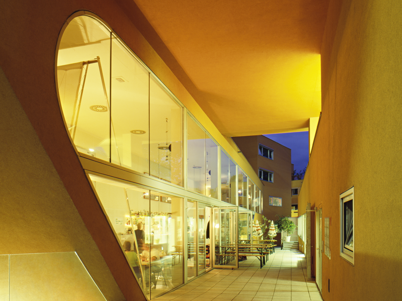 Gemeinschaftskueche-in-der-Sargfabrik_Wien_Stylepark.