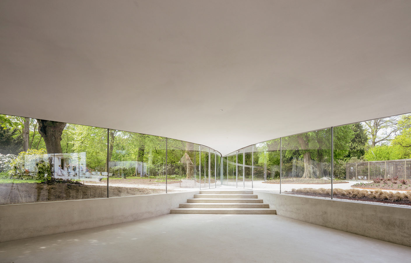 The visitor centre of the Groot Vijversburg park in Tytsjerk in the Netherlands from 2012 was celebrated internationally.