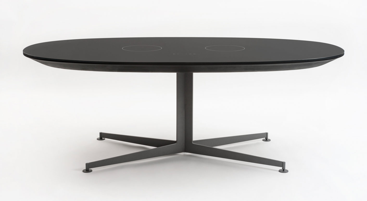 """With electric trick: With the """"I-table"""" Piero Lissoni designs an object for Kartell that is just a discreet table, soon to become a cooking opportunity."""