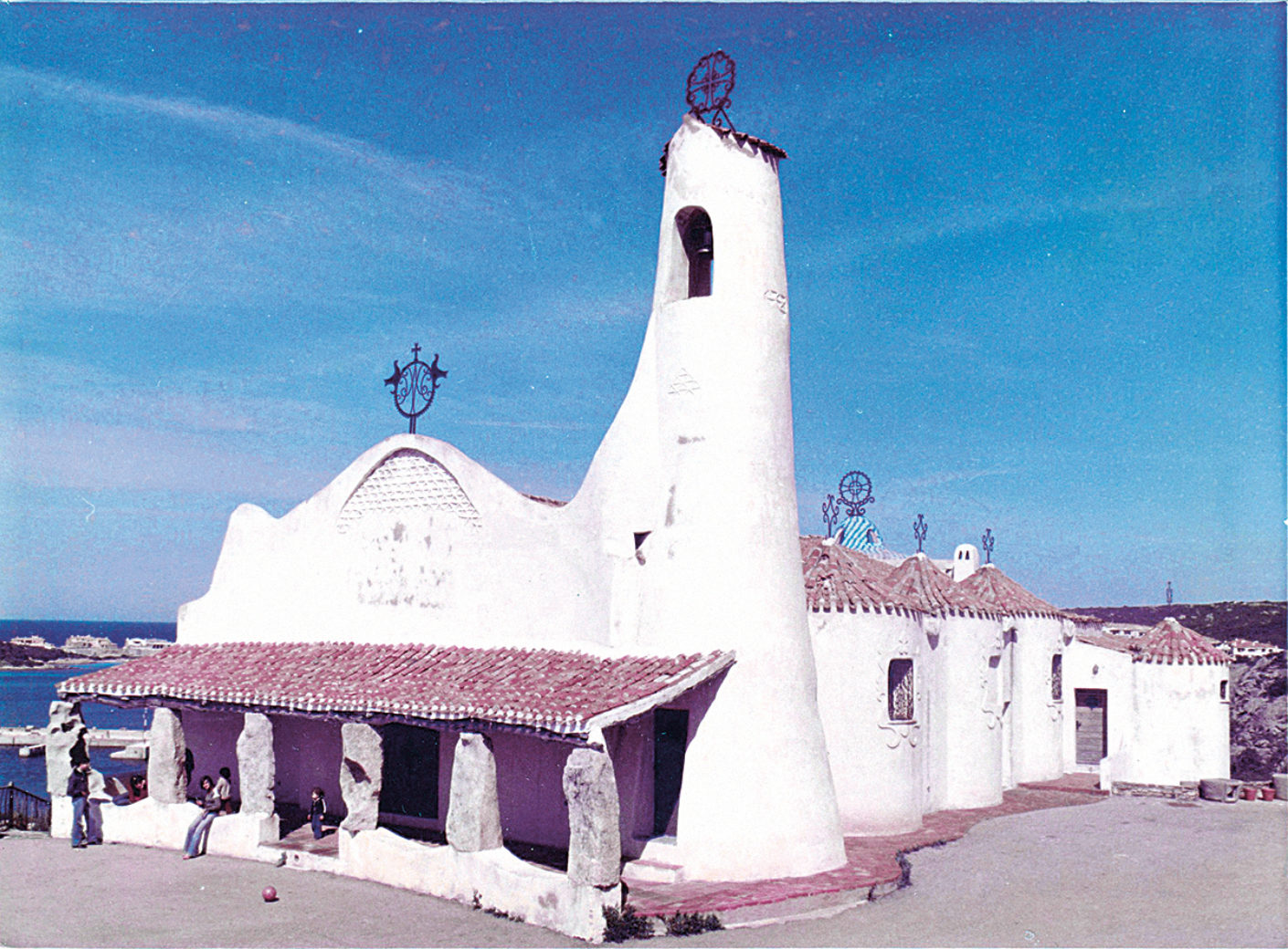 The church Stella Maris in Porto Cervo by Michele Busiri Vici (photo from the 1970s)