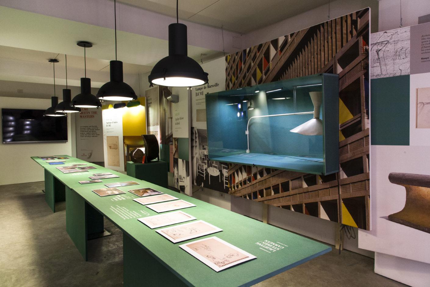 """2015 inszenierte Nemo seine Forschungsbemühungen um Charlotte Perriand und Le Corbusier mit der Ausstellung """"La Luce"""" im Mailänder Showroom."""