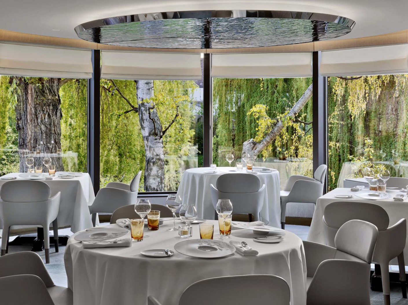 """Perfect enjoyment requires a comfortable seat: in the 3-star restaurant """"L' Auberge de l' Ill"""" the guest can sit on """"Ester"""" chairs and armchairs by Pedrali."""