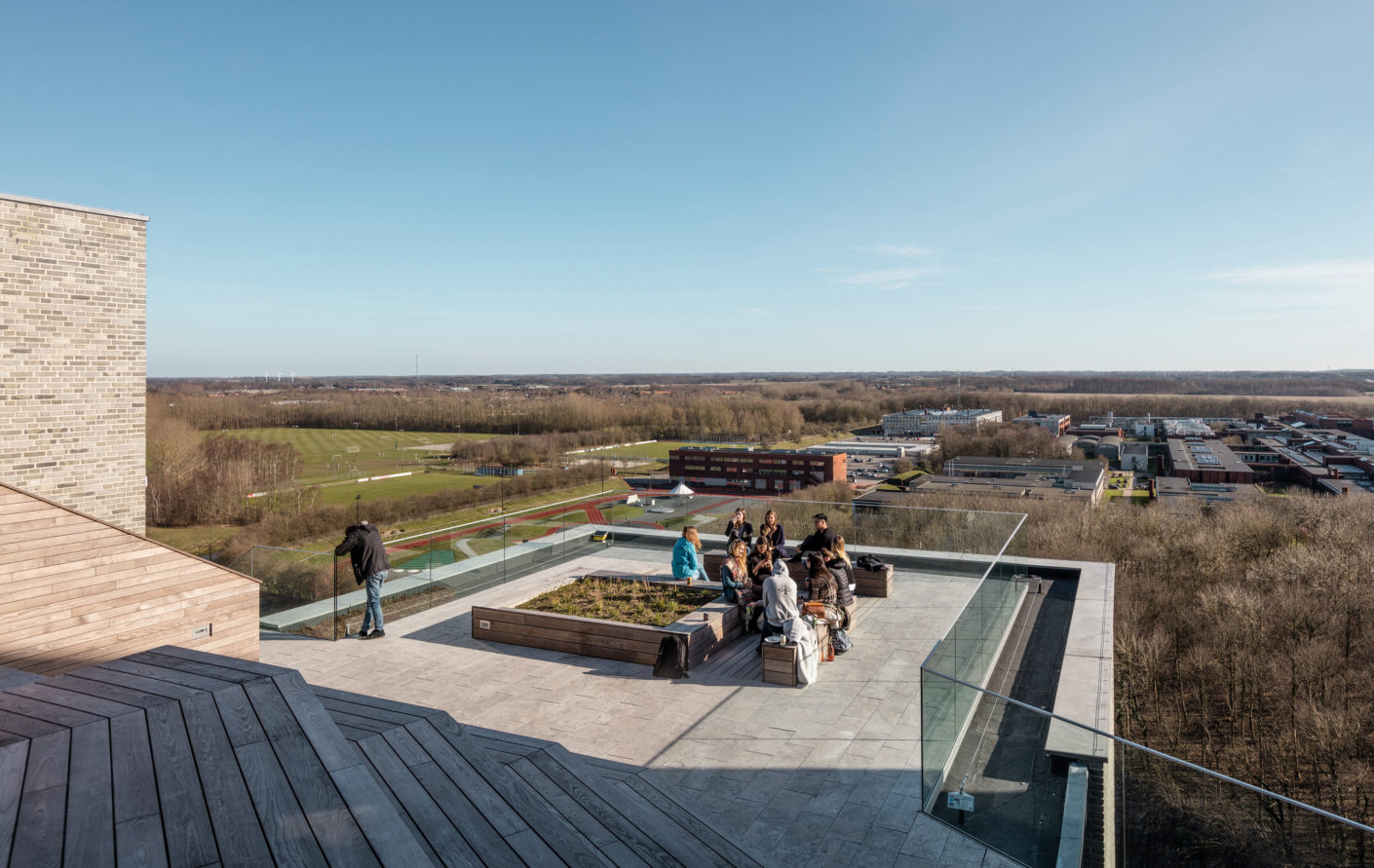A highlight of the student residence is the large roof terrace, from which the view over the landscape of the island Funen can be enjoyed.