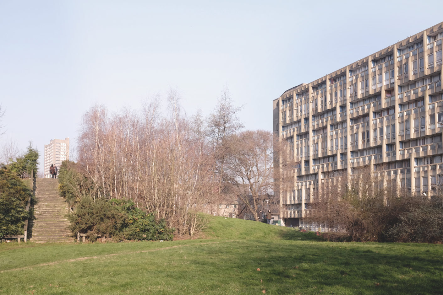 Robin-Hood-Gardens-London-Brutalism-Architecture-Park-and-Hill.jpg
