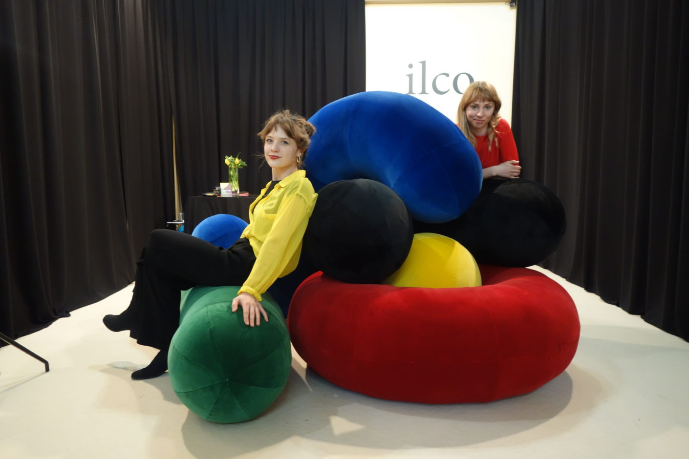 Celebrates a comeback: big upholstery furniture à la Verner Panton by Ania Marciniak, Madeleine Duflot (pictured) and Koa Pham.