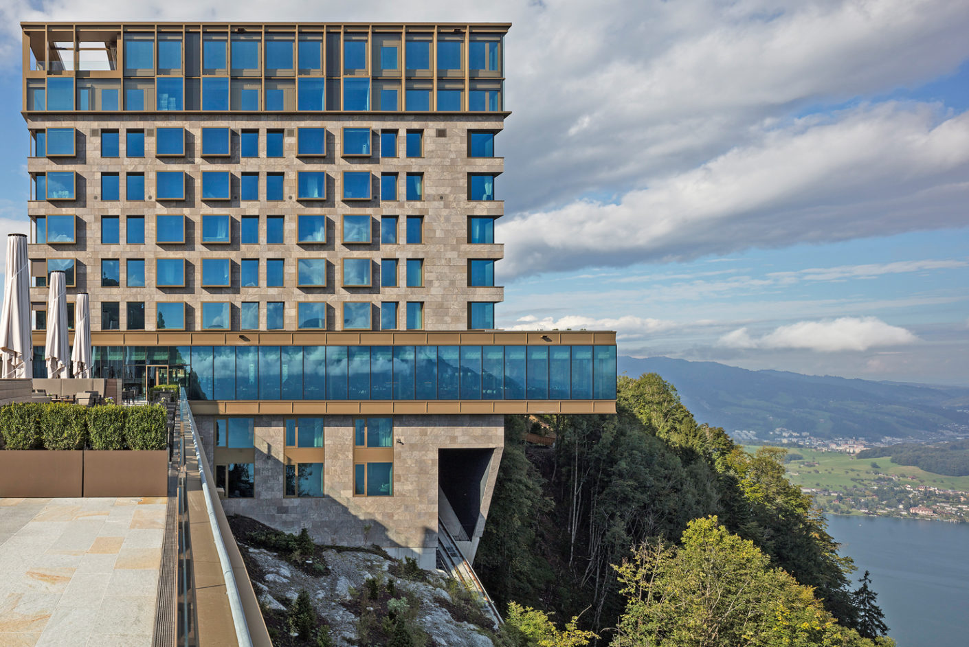 The recently opened Bürgenstock Hotel is situated on the steep slopes of the Bürgenstock mountain.