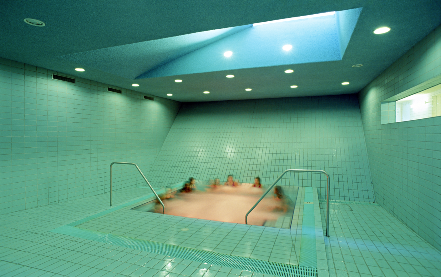 Schwimmbad-im-Kellergeschoss-der-Sargfabrik_Wien_BKK-2