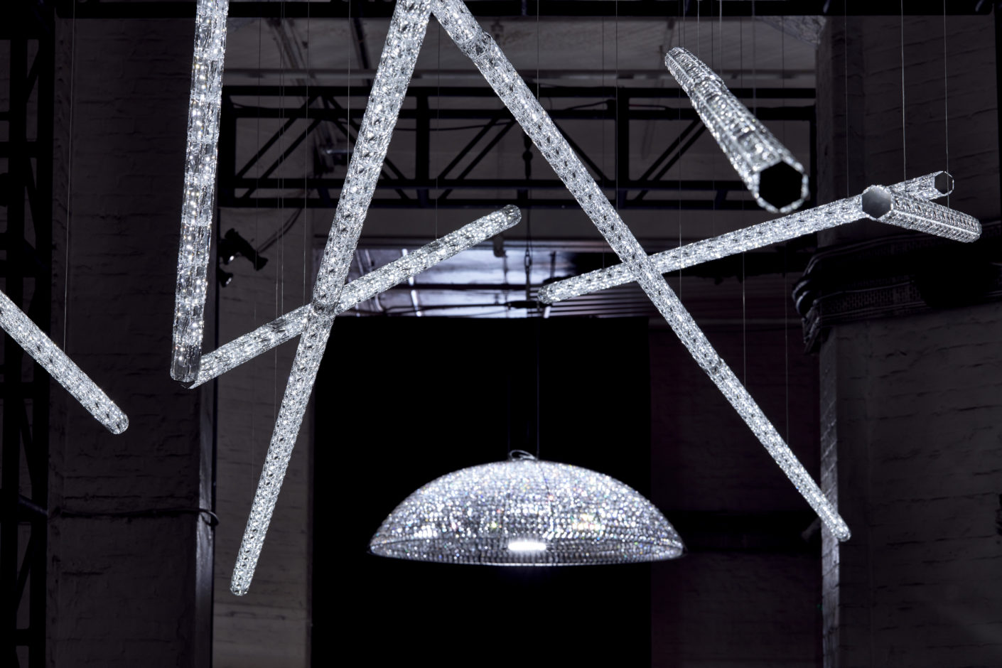 Swarovski, Lampen von Frederikson Stallard, London Design Week 2016