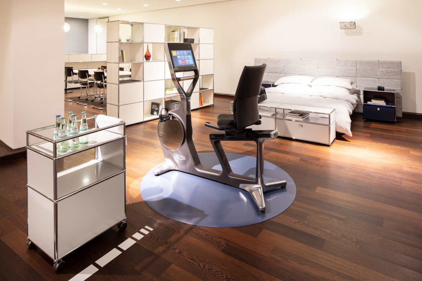 The fitness equipment from Technogym in the USM Showroom Hamburg.