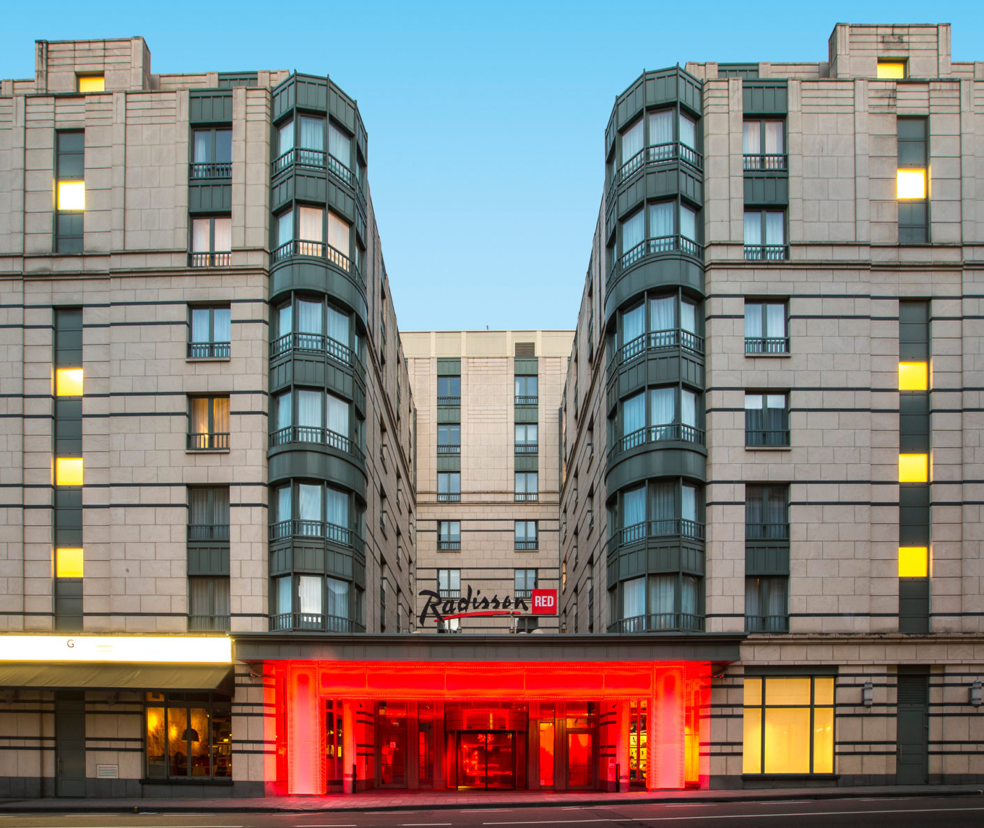 "Clearly visible: Even the entrance to the ""Radisson Red"" city hotel in Brussels places a clear focus on the color red."