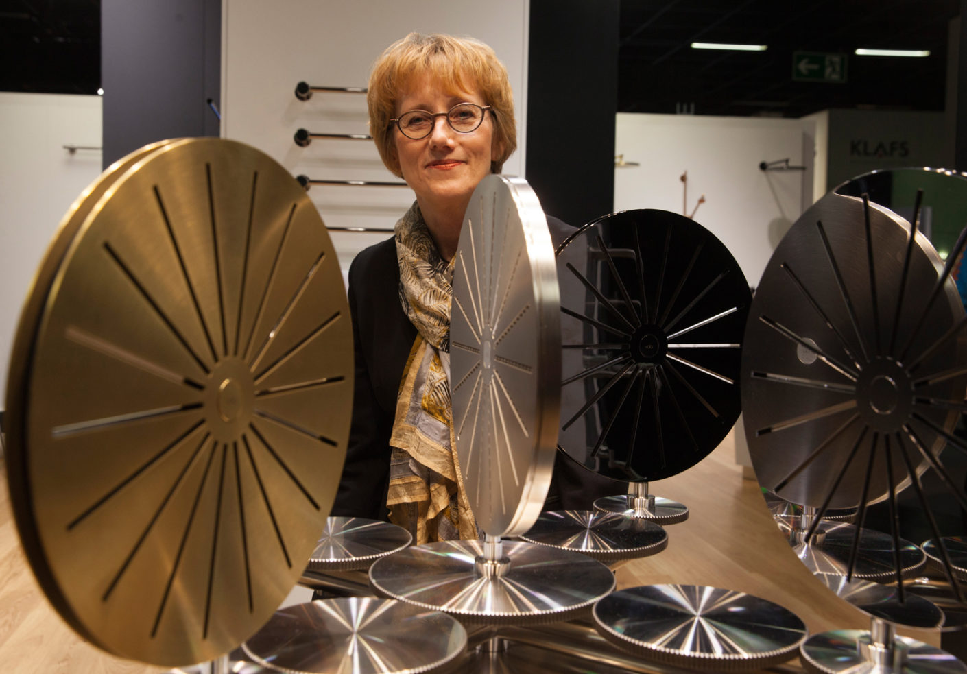 It is nothing unusual for staff to remain loyal to Vola for many years: Birthe Tofting, Director of International Sales, Marketing and HR, has been with the Danish manufacturer for 33 years now.