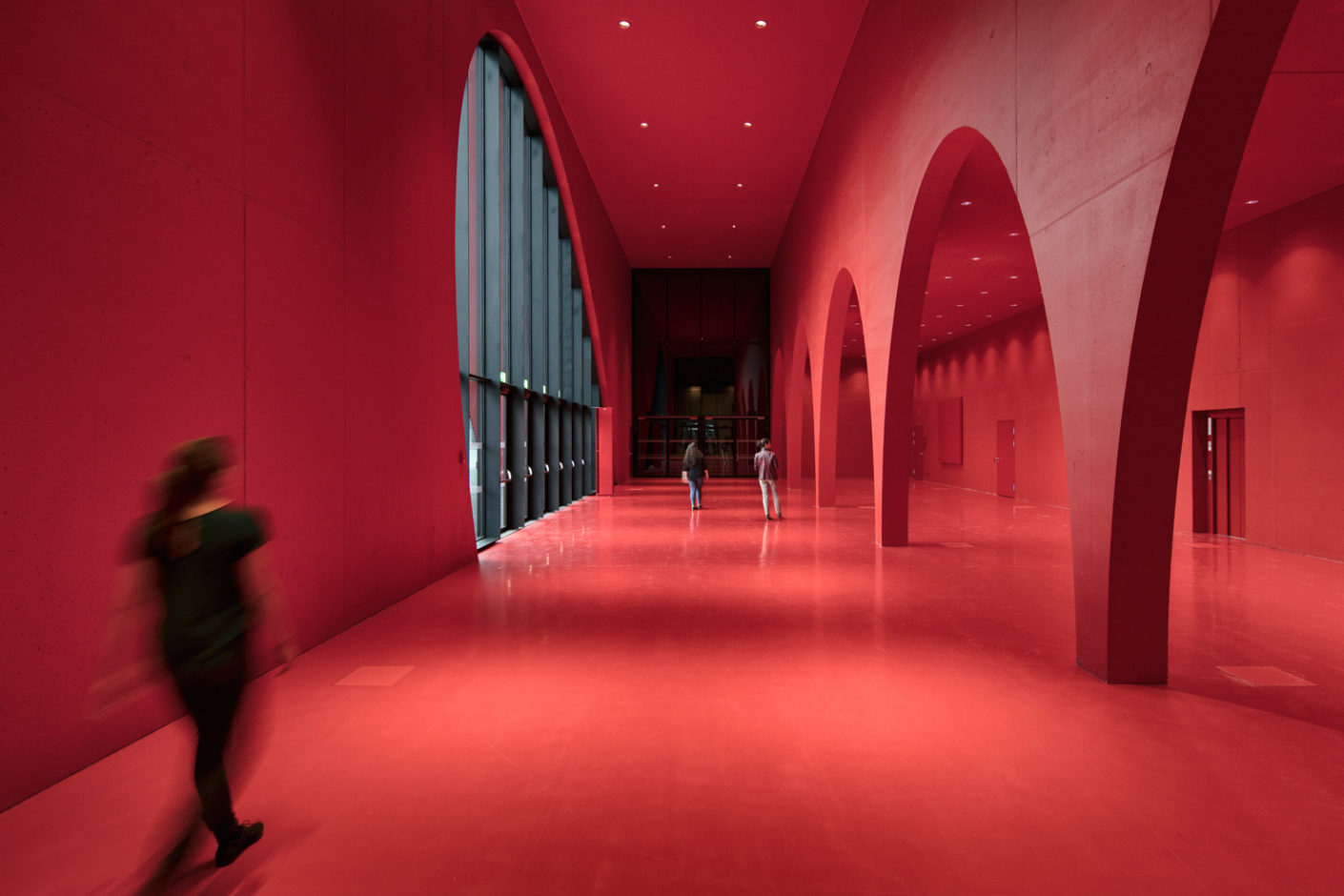 "For the smaller halls and red foyers the choice was Zumtobel's ""Panos infinity""."