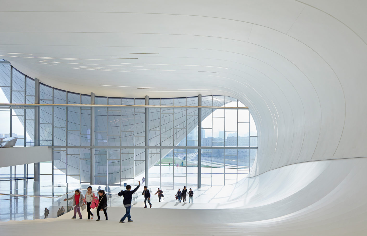 In his opinion, the built environment orders social interaction processes and has an impact on the creation and stabilize social order. The focus is also on property ownership, spatial exclusion and demarcation by physical barriers with corresponding access rights. Project: Heydar Aliyev Centre in Baku