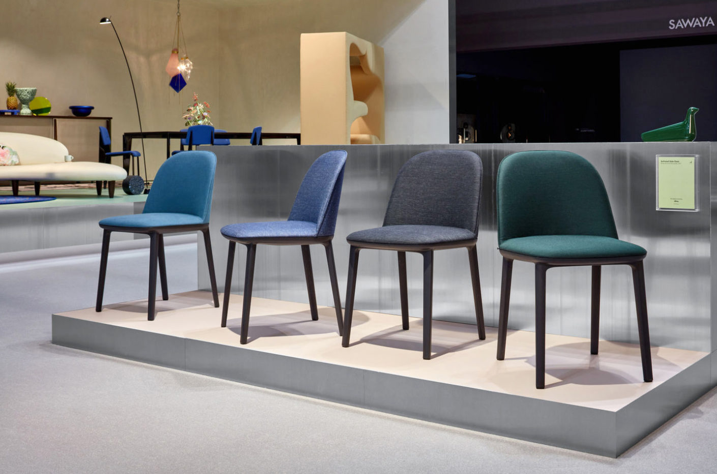 """The successor to the """"Softshell chairs"""" of the brothers Bouroullec offers flexible, vertically arranged slats under the lid of the backrest for a comfortable sitting."""